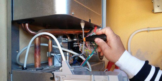 Comment réparer une panne d'eau chaude?
