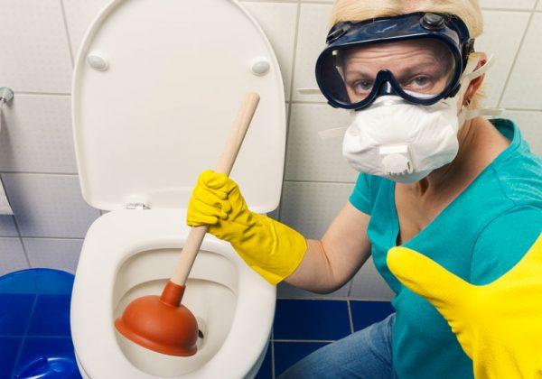 Les techniques pour déboucher un wc bouché